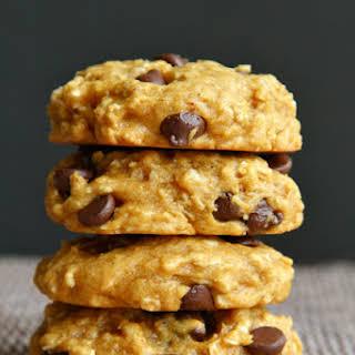Vegan Chocolate Chip Pumpkin Oatmeal Cookies.