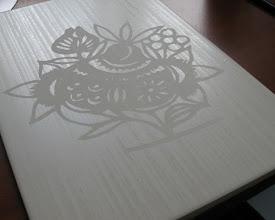 Photo: Матирование на керамической плитке с помощью пасты Glassmoz