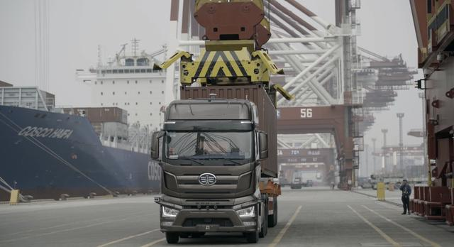 智加科技加持一汽解放L4级智能驾驶港区标准作业