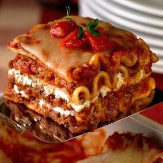 Basic Lasagna with Meaty Sauce Recipe