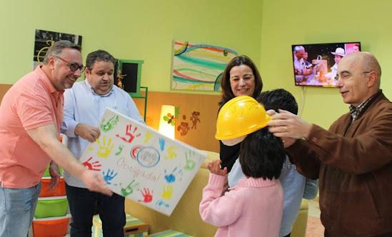 """Crianças felizes com a renovação do CAT de Lamego pelo """"Preço Certo"""""""