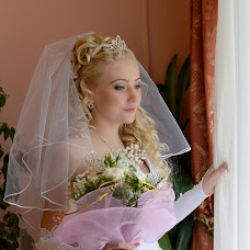 Wedding photographer Galina Kostrykina (LediGala). Photo of 08.03.2014