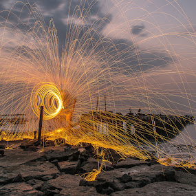 Steelwool by Lim Keng - Abstract Light Painting