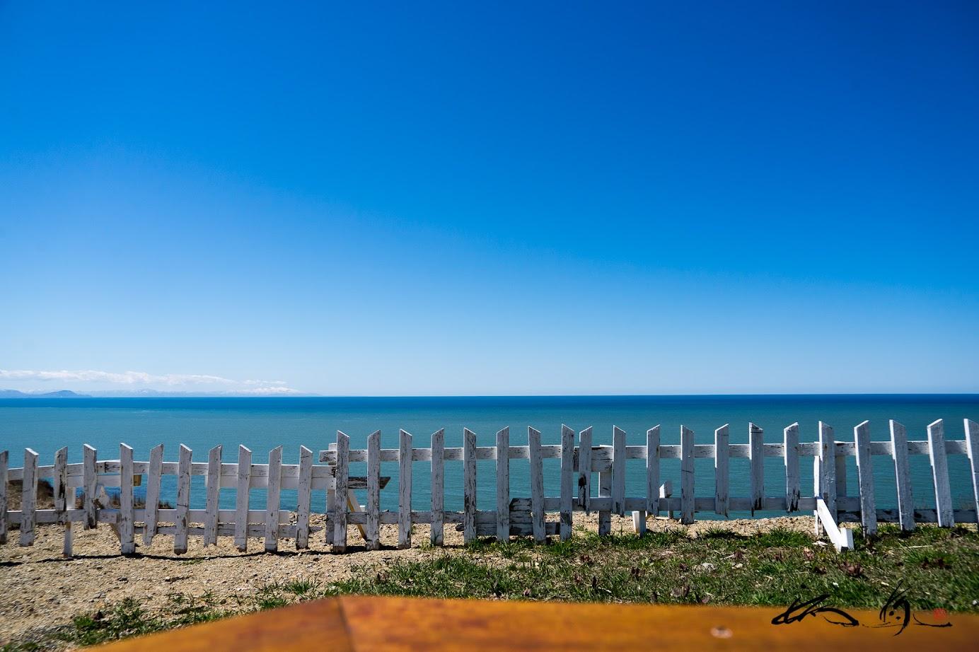 コバルトブルーの空と海