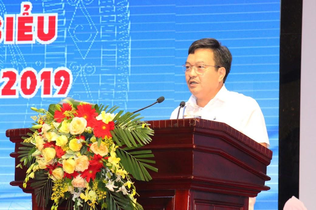 Ông Trần Anh Sơn, Chủ tịch Hội Doanh nghiệp tiêu biểu tỉnh phát biểu tại buổi gặp mặt