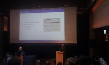 写真: Jörg Müller during his 3D-audio talk