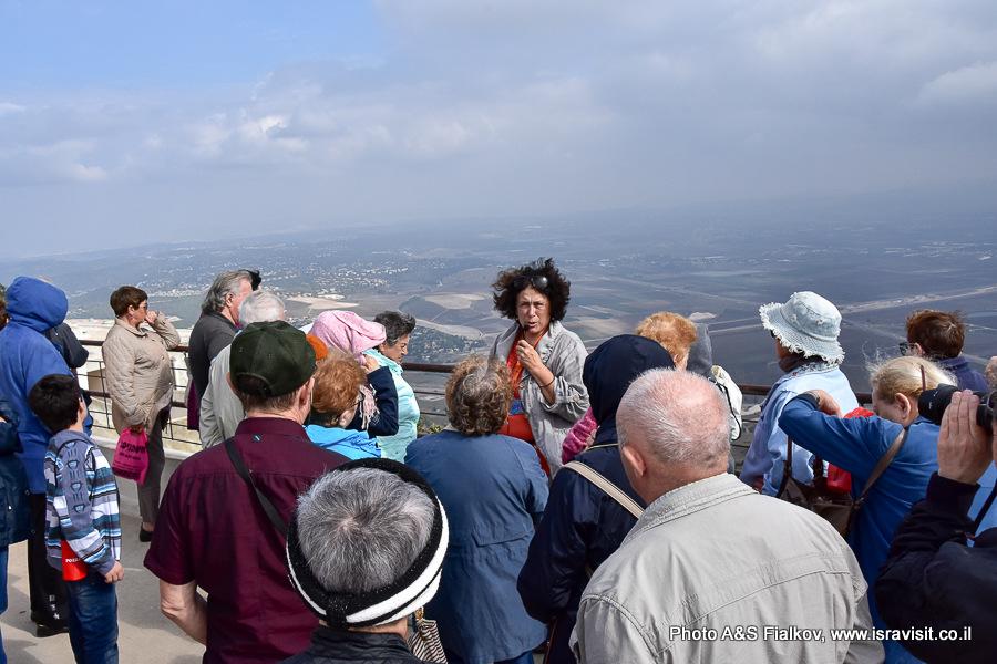 Экскурсия по Кармельским горам гида в Израиле Светланы Фиалковой.  Обзорная площадка в монастыре кармелитов в Мухраке.