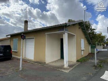 maison à Saint-Jean-d'Angély (17)