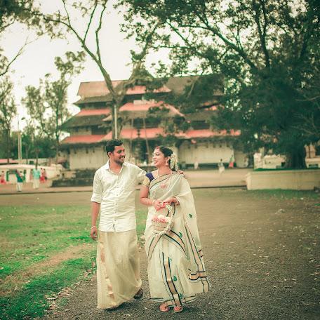 Wedding photographer Sanoop Km (sanoopventure). Photo of 18.12.2017