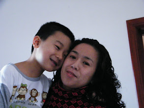 Photo: baby son, warrenzh, 朱楚甲 shown pendence upon his loving mother, emakingir.