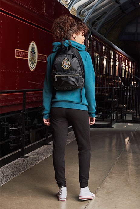 8-sorbos-de-inspiracion-Harry-Potter-en-Primark-Calcetines-mochila-sudadera-zapatillas