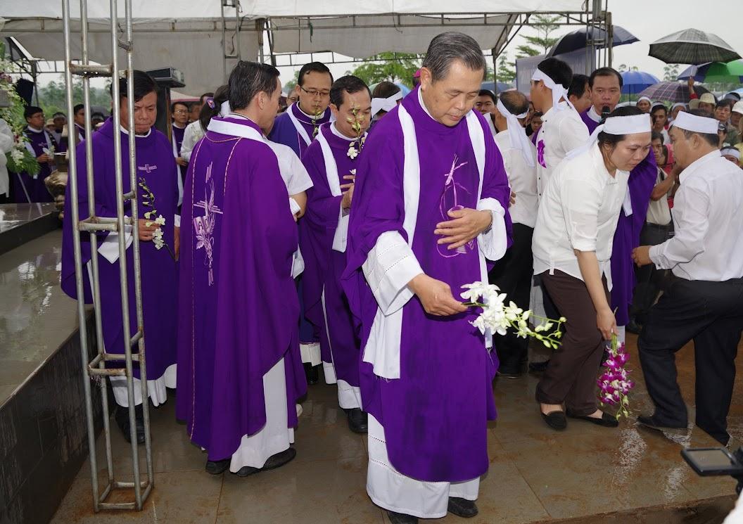 Thánh lễ an táng Cha Giuse Trần Ngọc Tâm - Chánh xứ Xuân Đức - Ảnh minh hoạ 66