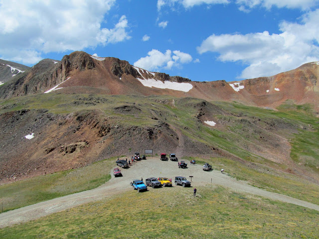 Vehicles at Cinnamon Pass
