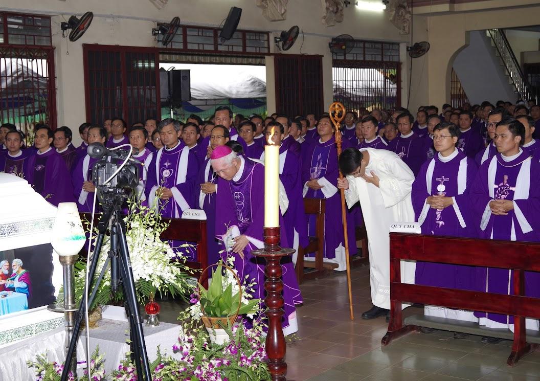 Thánh lễ an táng Cha Giuse Trần Ngọc Tâm - Chánh xứ Xuân Đức - Ảnh minh hoạ 12
