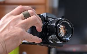 一眼カメラフィンガーストラップ 利用イメージ1