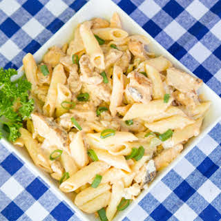 Tailgating Buffalo Chicken Pasta Salad.