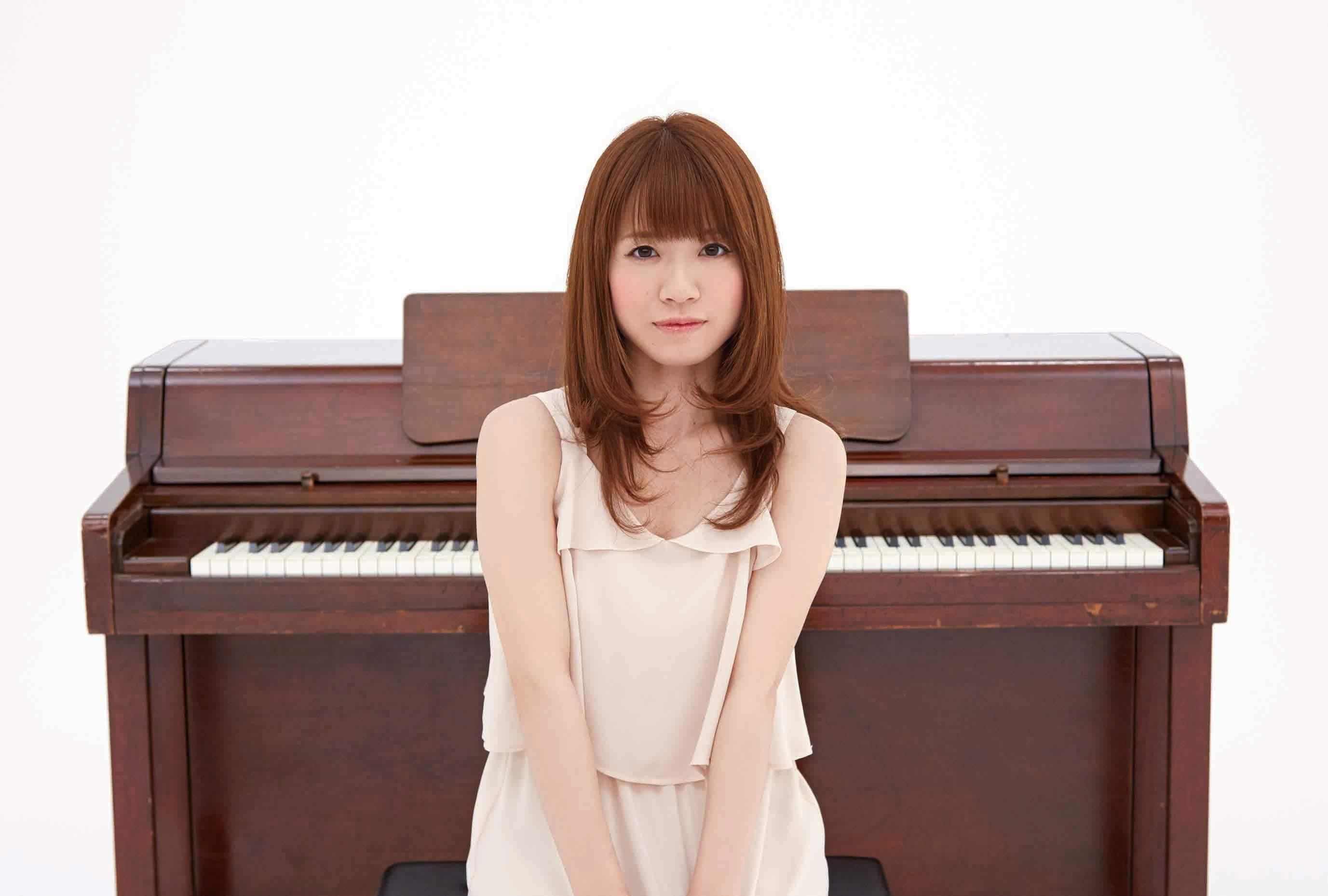 """Imagem promocional do single """"Tegami ~Aisuru Anata e""""."""