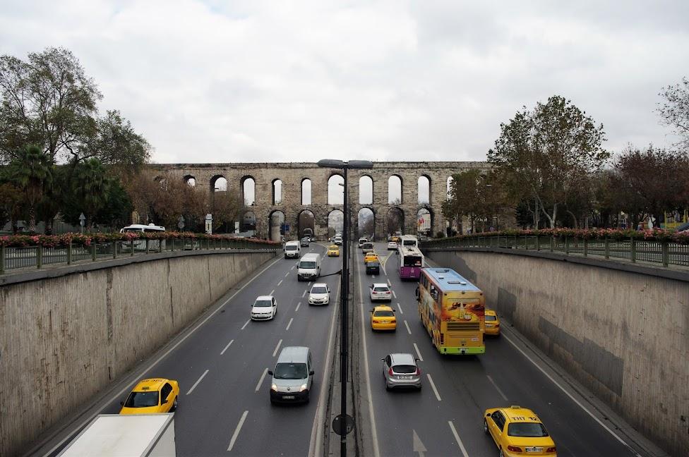 Qué ver en Estambul. Acueducto romano de Valente