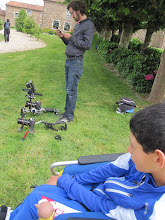 Photo: Preparados para grabar en los jardines del Pazo.