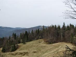Photo: 14.Polana Świnkówka. Po lewej Kudłoń (1274 m). Po prawej chyba Jaworzynka (1026 m).