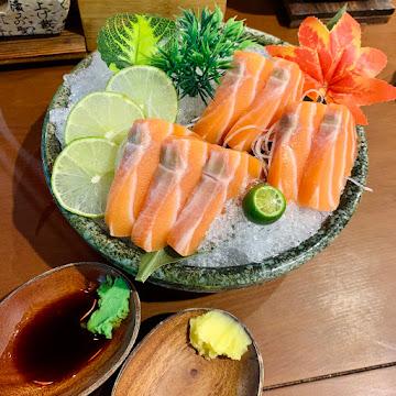 阿彤北和牛 海鮮燒肉 定食 新竹總店