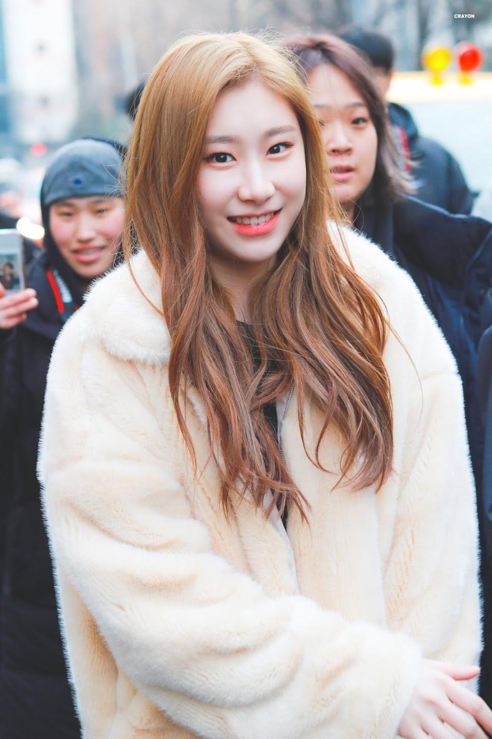 teddybearcoats_itzy_chaeryeong