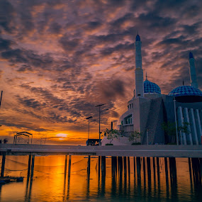 Floating Mosque by David Loarid - Buildings & Architecture Places of Worship ( #floatingmosque #sunset #seascape #landscape )