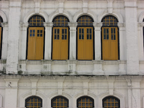 Photo: i dig these windows