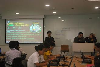 Photo: Paolo explaining LibreOffice