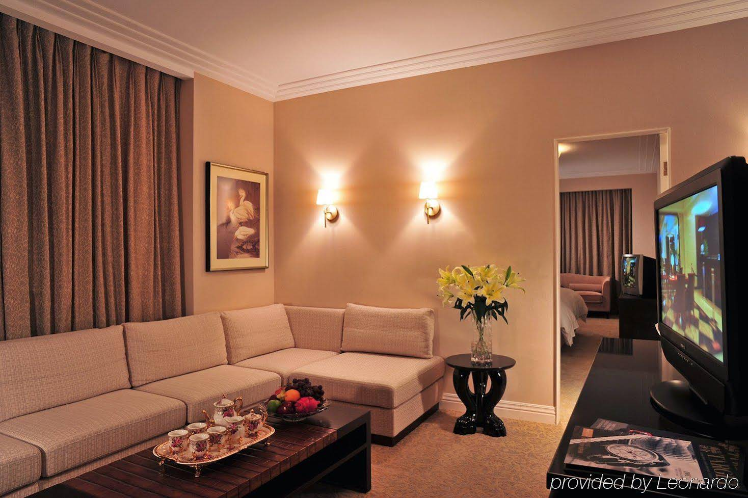 Broadway Mansions Hotel