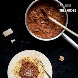 Spaghetti With Spiced Walnut Bolognese – Meat Free.