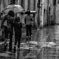 Scende la pioggia, ma che fa di