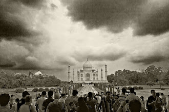 Photo: How Taj Mahal might have looked if photography was invented in 17th century