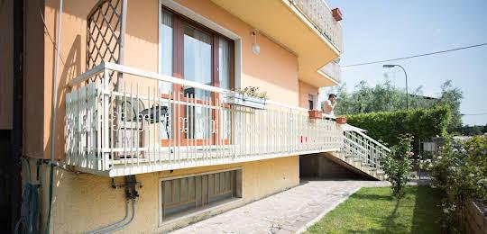 Affitta Camere Elena
