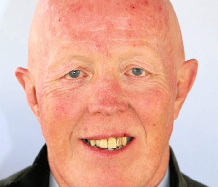 A Newtown county councillor has resigned