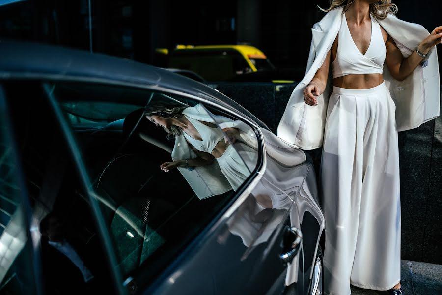 Wedding photographer Vasiliy Tikhomirov (BoraBora). Photo of 01.10.2019