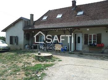 maison à Le Fay (71)