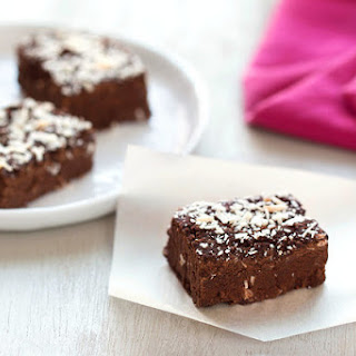 Clean & Hungry Coconut Chocolate Fudge Recipe