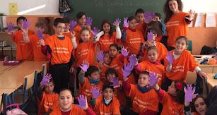 Alumnado dispuesto para participar en el acto municipal contra la violencia de género.