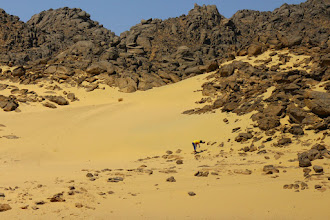 Photo: Collecting sand from Nubian desert