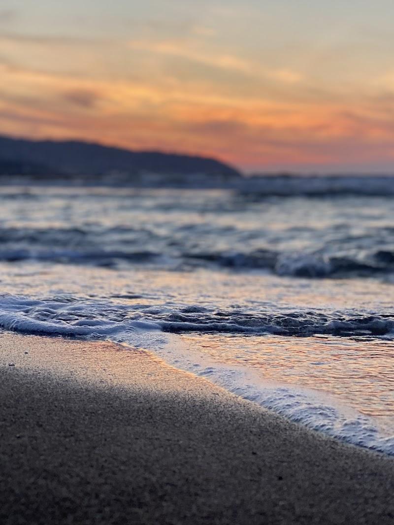 Mare e tramonto. Il mio mondo  di Alessia___