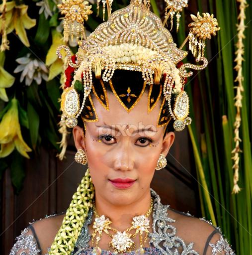 Traditional Indonesian Wedding Makeup : Gallery For > Javanese Wedding
