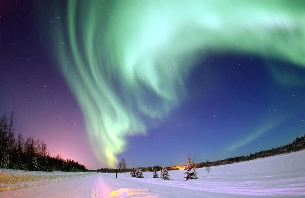 Auroras polares, como as da imagem, puderam ser vistas em Cuba e no Havaí durante o Evento Carrington |