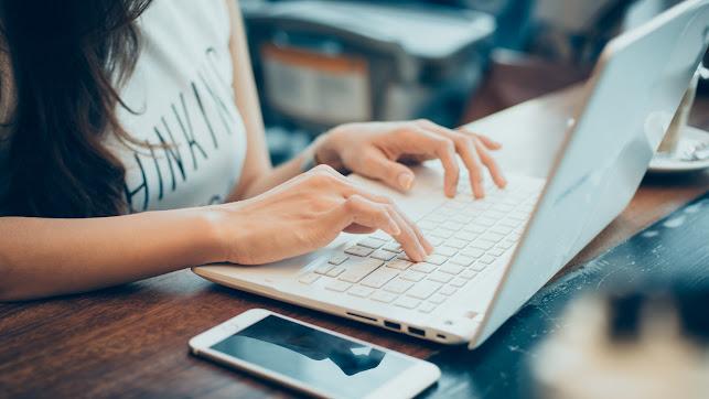 Los ordenadores se han convertido en el mejor aliado de los alumnos y docentes.