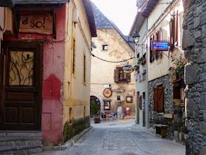 Photo: il ridente borgo di Salardu, 1270m.