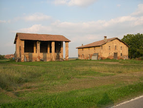 Photo: Mascarino, frazione di Castello d'Argile, via Quattro vie