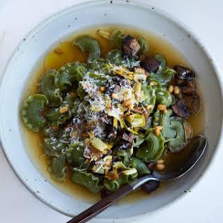 10 Minute Instant Pot Mushroom Broth.