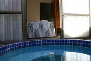 Bennetts Thermal Pools Motor Inn
