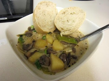 Creamy Mushroom & Potato Soup Recipe