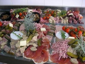 Photo: Plateau de charcuteries , condiments 2 kg +- 8 sortes